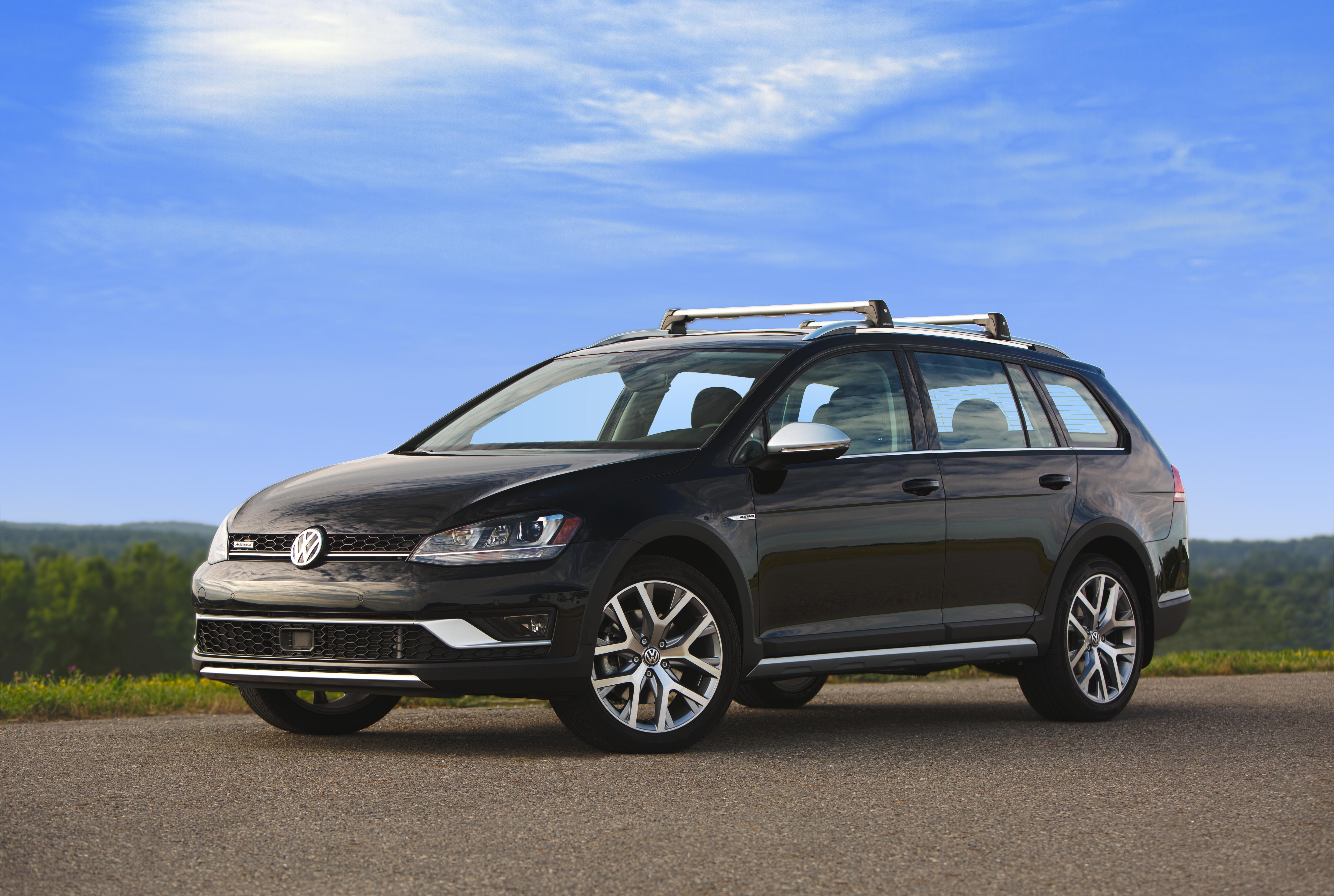 2016 Volkswagen Sportwagen Base Carrier Bars Roof Rack