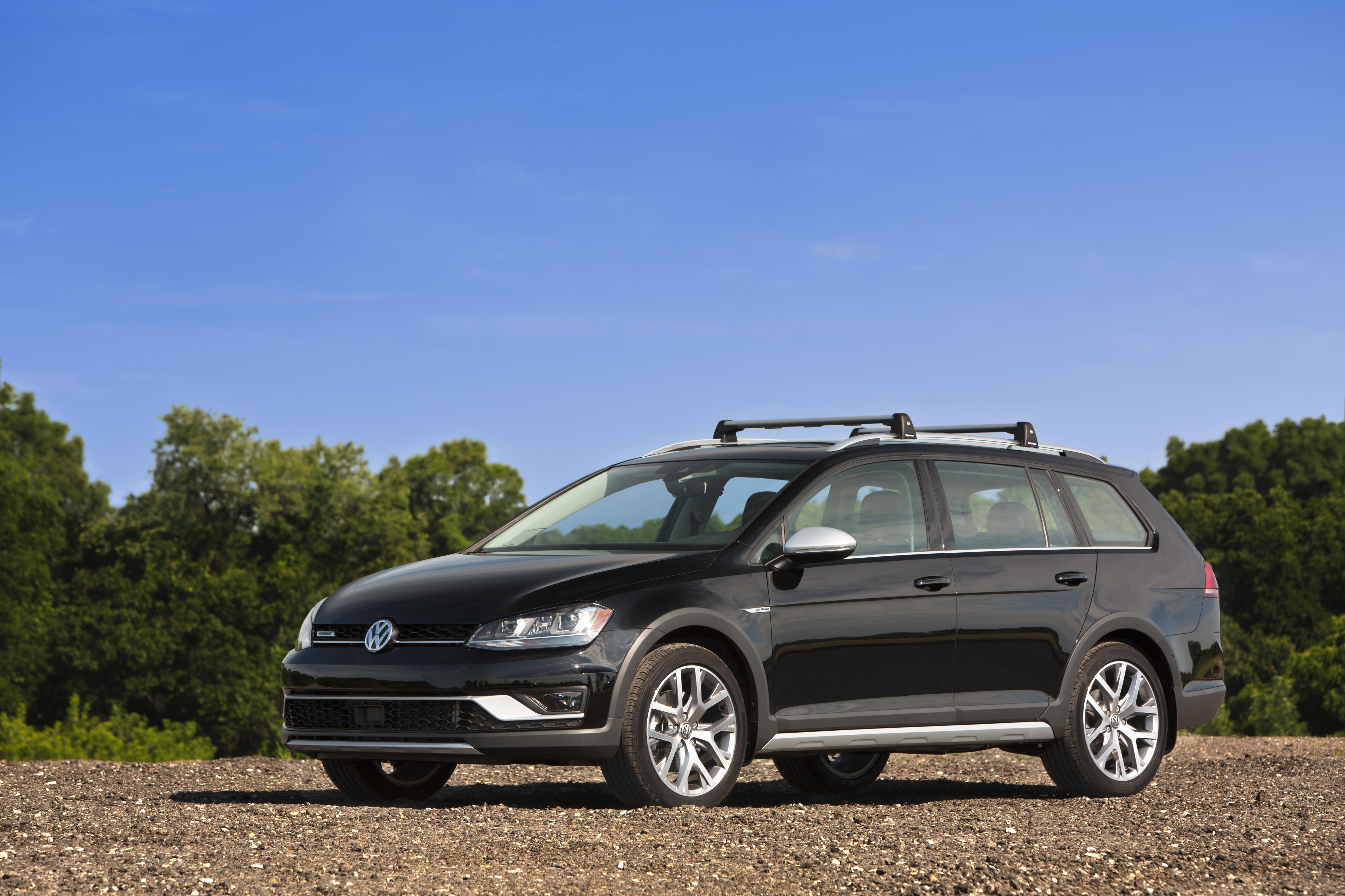 2016 Volkswagen Sportwagen Base Carrier Bars Rack Roof